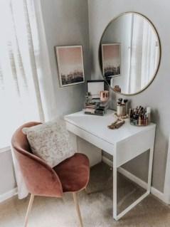 Minimalist Bedroom Decoration Ideas That Looks More Cool 22