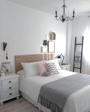 Minimalist Bedroom Decoration Ideas That Looks More Cool 43