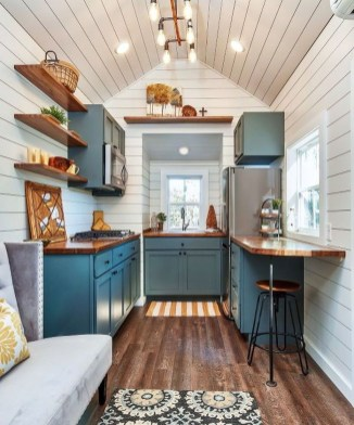 Wonderful Kitchen Cabinets Ideas For Your Tiny House 16