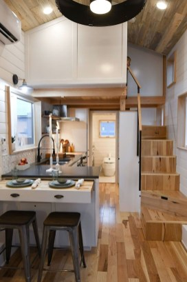 Wonderful Kitchen Cabinets Ideas For Your Tiny House 33