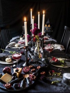 Astonishing Halloween Table Decoration That Perfect For This Year 12