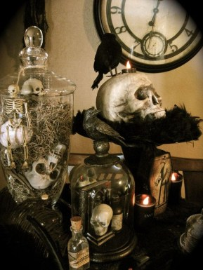 Astonishing Halloween Table Decoration That Perfect For This Year 18