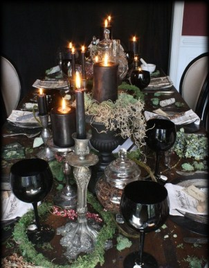 Astonishing Halloween Table Decoration That Perfect For This Year 27