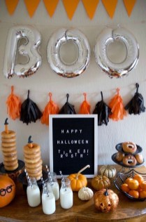 Astonishing Halloween Table Decoration That Perfect For This Year 47