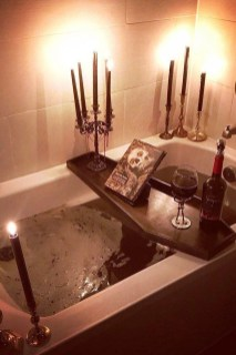 Scary Halloween Decorating Ideas For Your Bathroom 29