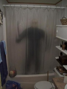 Scary Halloween Decorating Ideas For Your Bathroom 35
