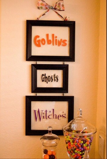 Scary Halloween Decorating Ideas For Your Bathroom 48