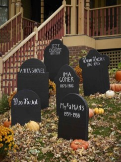 Spooktacular Halloween Outdoor Decoration To Terrify People 03
