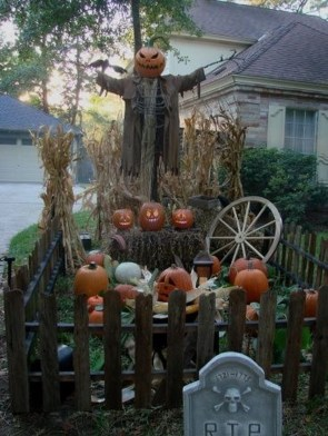 Spooktacular Halloween Outdoor Decoration To Terrify People 34