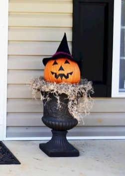 Spooktacular Halloween Outdoor Decoration To Terrify People 47