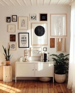 Trendy Living Room Wall Gallery Design Ideas 02