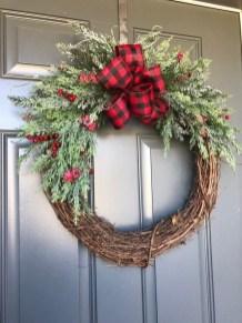 Beautiful DIY Winter Wreath To Place It On Your Door 20