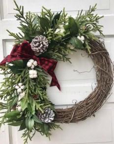 Beautiful DIY Winter Wreath To Place It On Your Door 22