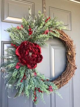 Beautiful DIY Winter Wreath To Place It On Your Door 42