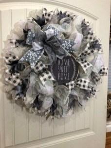 Beautiful DIY Winter Wreath To Place It On Your Door 47