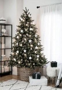 Best Ideas For Apartment Christmas Decoration 28