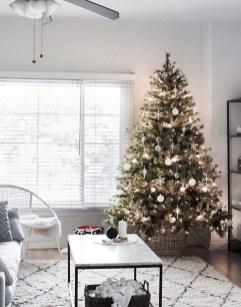 Best Ideas For Apartment Christmas Decoration 48