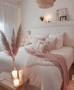 Best Master Bedroom Decoration Ideas For Winter 10