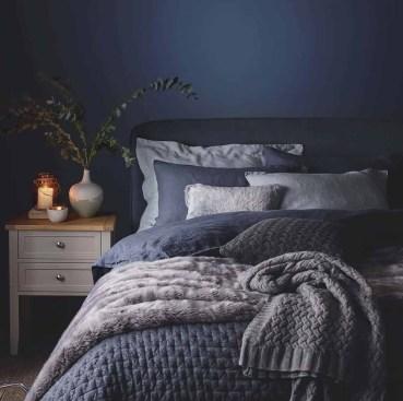 Best Master Bedroom Decoration Ideas For Winter 15