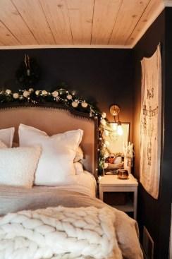 Best Master Bedroom Decoration Ideas For Winter 16