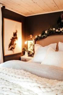 Best Master Bedroom Decoration Ideas For Winter 46
