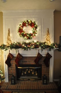Inspiring Fireplace Mantel Decorating Ideas For Winter 22