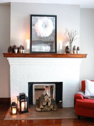 Inspiring Fireplace Mantel Decorating Ideas For Winter 25