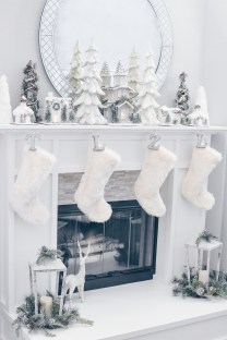 Inspiring Fireplace Mantel Decorating Ideas For Winter 28