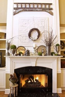 Inspiring Fireplace Mantel Decorating Ideas For Winter 29