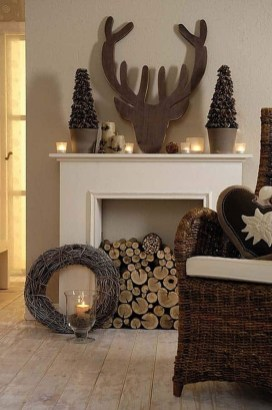 Inspiring Fireplace Mantel Decorating Ideas For Winter 33