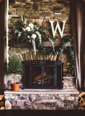 Inspiring Fireplace Mantel Decorating Ideas For Winter 44