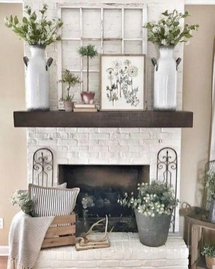 Inspiring Fireplace Mantel Decorating Ideas For Winter 49