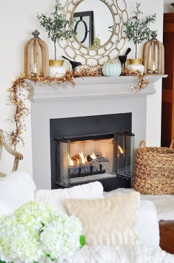 Inspiring Fireplace Mantel Decorating Ideas For Winter 50