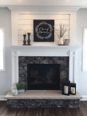 Inspiring Fireplace Mantel Decorating Ideas For Winter 51