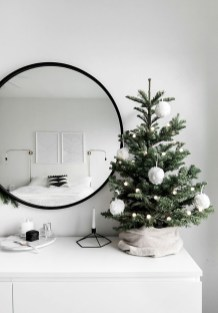 Outstanding Winter Decoration Ideas For Your Apartment 05
