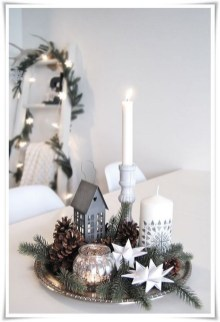 Outstanding Winter Decoration Ideas For Your Apartment 10