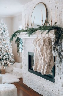 Outstanding Winter Decoration Ideas For Your Apartment 29