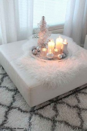 Outstanding Winter Decoration Ideas For Your Apartment 34