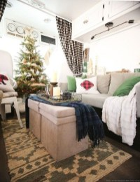 Most Inspiring Holiday Decoration Ideas For Your RV 16