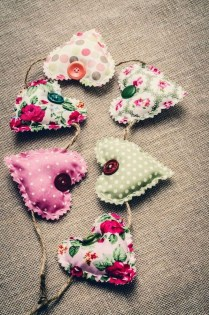 Affordable Valentine's Day Shabby Chic Decorations On A Budget 11