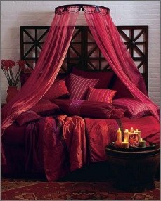Beautiful And Romantic Valentine's Day Bedroom Design Ideas 14