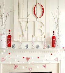 Best Valentines Day Mantel Decor Ideas That You Will Falling In Love With 37