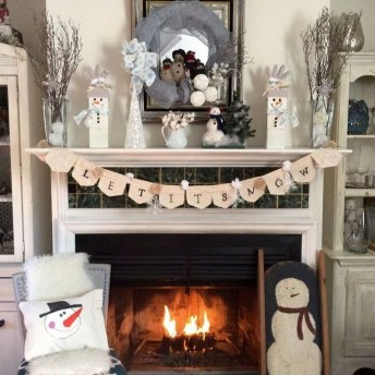 Best Valentines Day Mantel Decor Ideas That You Will Falling In Love With 42