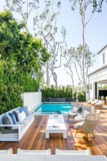 Comfy Pool Seating Ideas For Your Outdoor Decoration 07