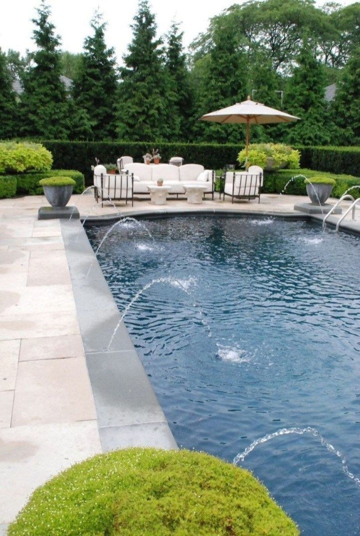 Comfy Pool Seating Ideas For Your Outdoor Decoration 27