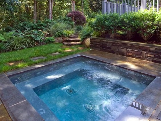 Comfy Pool Seating Ideas For Your Outdoor Decoration 33