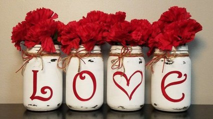 Creative DIY Valentines Day Decoration Ideas To Beautify Your Home 28