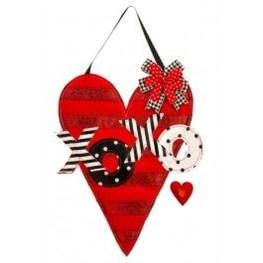 Cute Valentine Door Decorations Ideas To Spread The Seasons Greetings 02