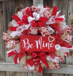 Cute Valentine Door Decorations Ideas To Spread The Seasons Greetings 13