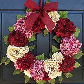 Cute Valentine Door Decorations Ideas To Spread The Seasons Greetings 18